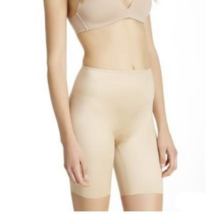 Spanx Simplicity Mid Thigh Compression Shorts L